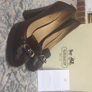 Coach stacked heel leather pumps